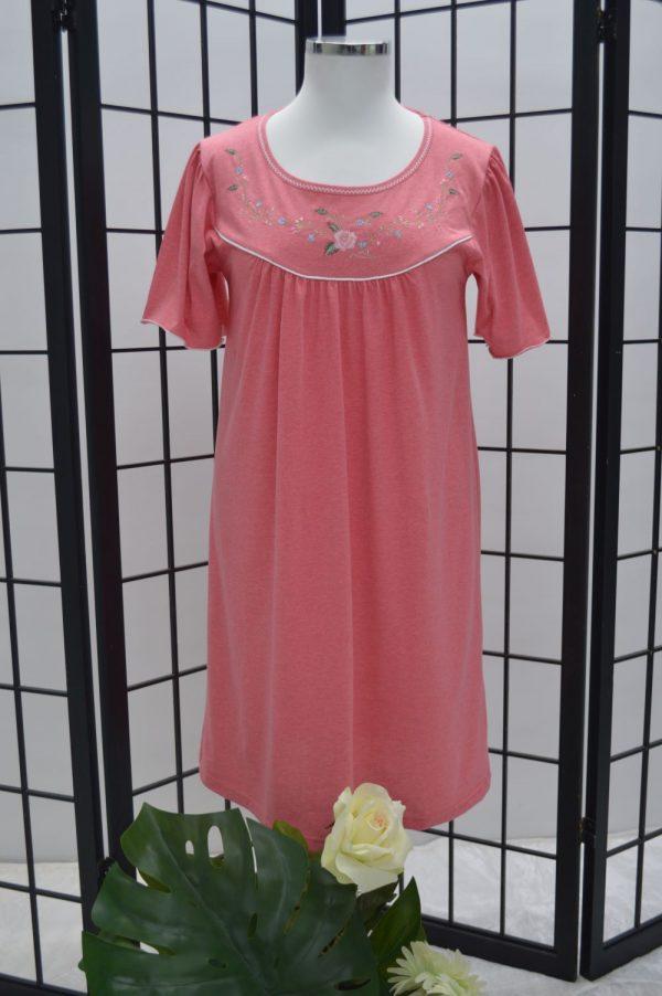 Camisa de dormir mangas borboletas bordado rosas, Coral