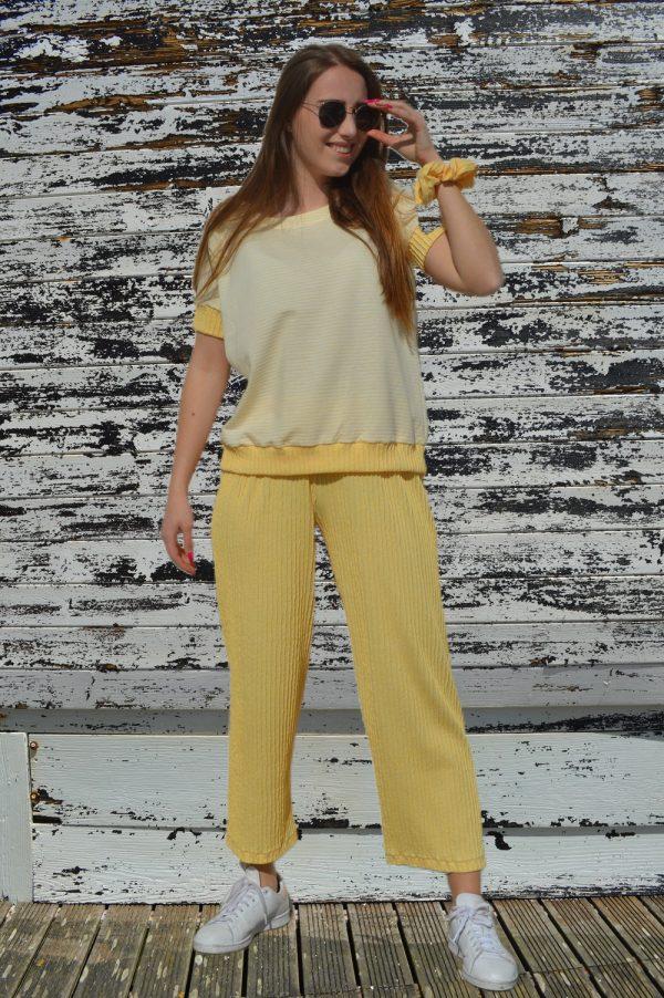 Pijama calça larga e T-shirt - Amarelo