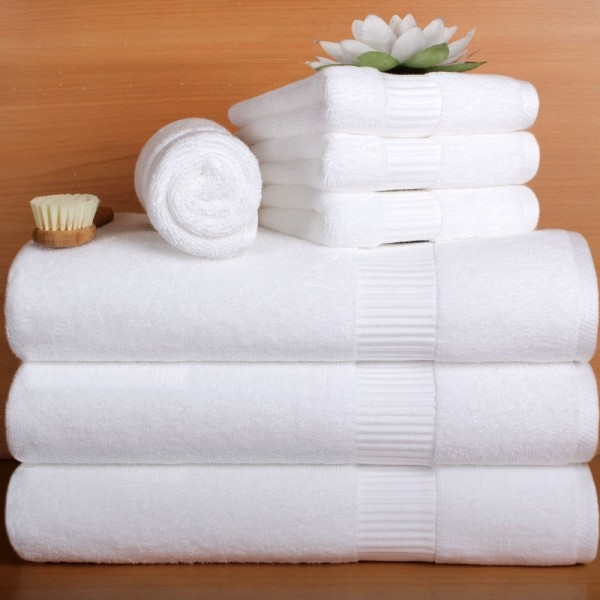 Bath towels in terry soft cotton with jacquard border