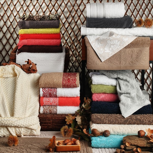 Range of articles in terry - various designs and qualities. Face towels, bath and spa bath sheets, bathmats, and bathrobes.