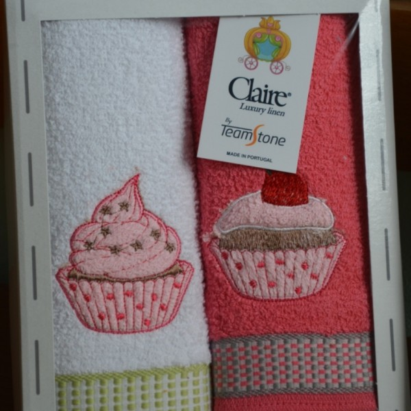 Terry kitchen towels embroidered packed in a gift box
