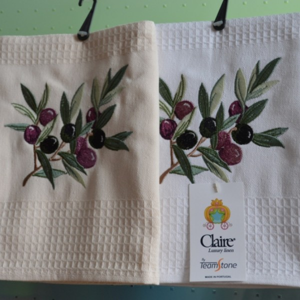 Waffle kitchen towels with embroidery
