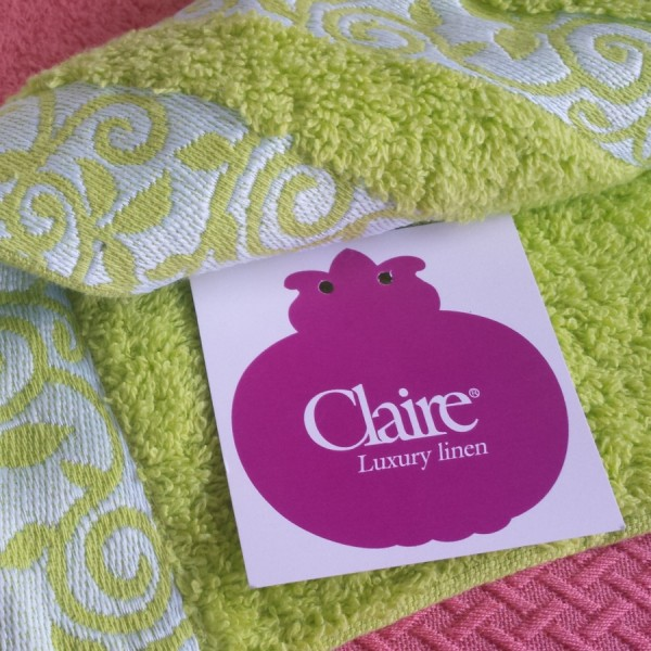 Terry bath towels in 100% cotton with double contrasting jacquard border. Various sizes and colours.