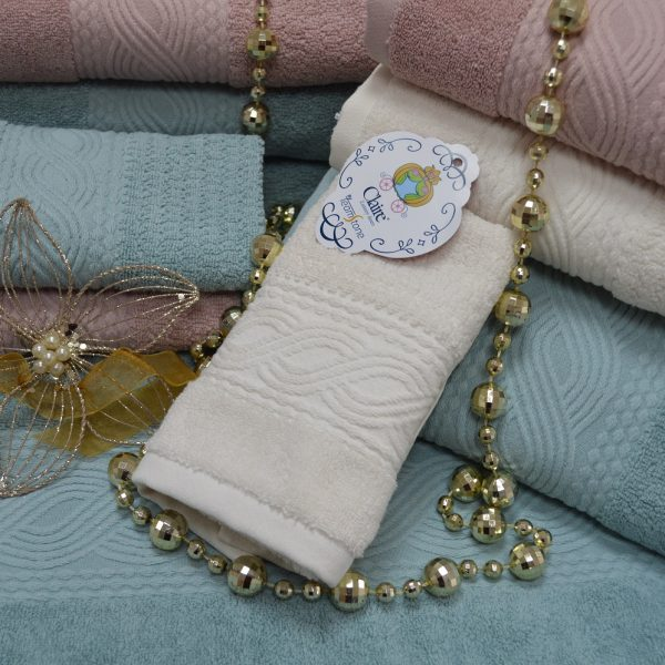Terry bath towels in 100% cotton with cotton ton / ton jacquard border.